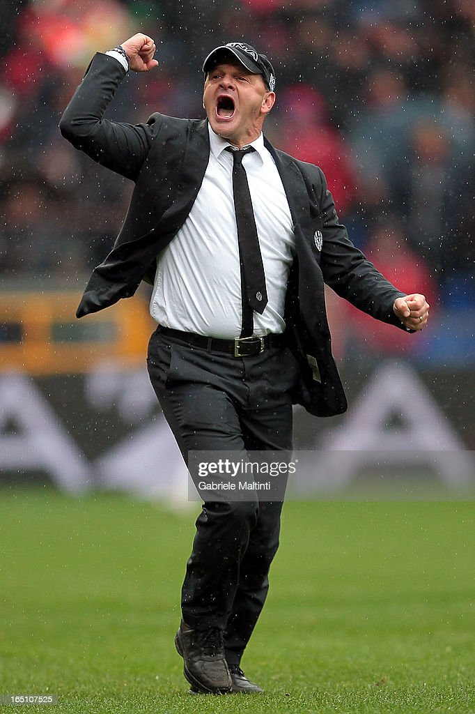 Siena head coach Giuseppe Iachini celebrates during the Serie A match between Genoa CFC and AC Siena at Stadio Luigi Ferraris on March 30, 2013 in Genoa, Italy.