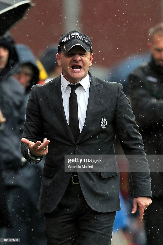 Siena head coach Giuseppe Iachini gestures during the Serie A match between Genoa CFC and AC Siena at Stadio Luigi Ferraris on March 30, 2013 in Genoa, Italy.