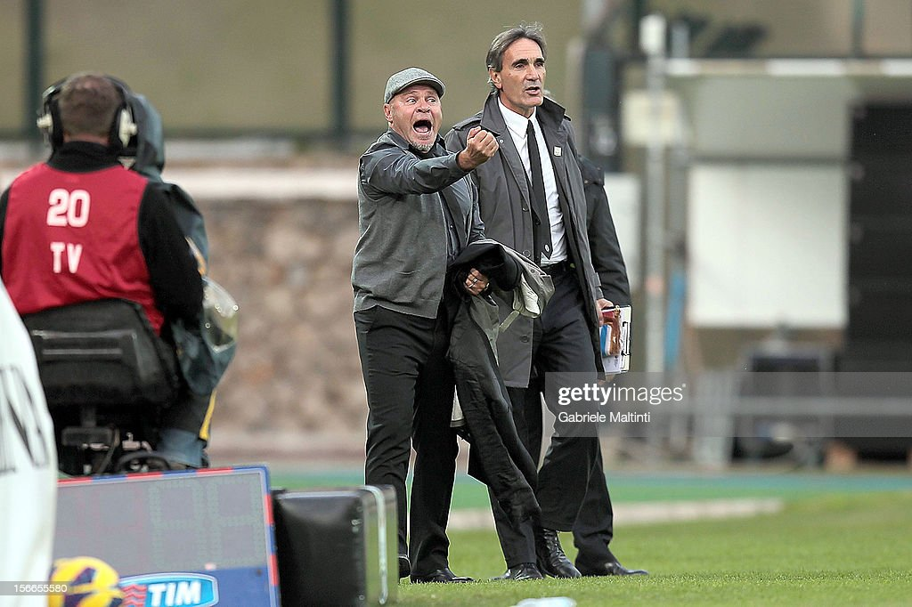 Siena head coach <a gi-track='captionPersonalityLinkClicked' href=/galleries/search?phrase=Serse+Cosmi&family=editorial&specificpeople=2148789 ng-click='$event.stopPropagation()'>Serse Cosmi</a> is sent from the field during the Serie A match between AC Siena and Pescara at Stadio Artemio Franchi on November 18, 2012 in Siena, Italy.