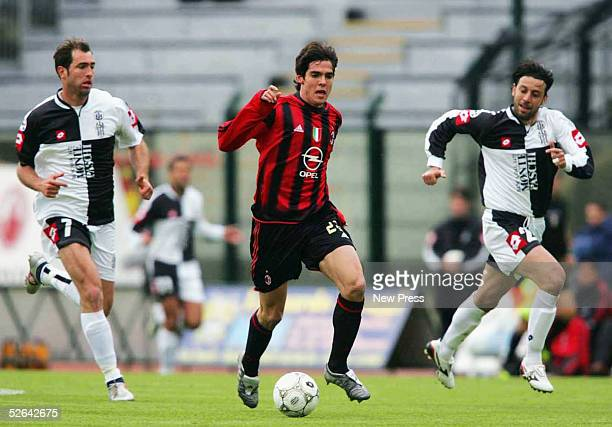 Siena's Igor Tudor and Roberto D'Aversa close in on Milan's Kaka during the Serie A match between Siena and Milan at Comunale Artemio Franchi April...