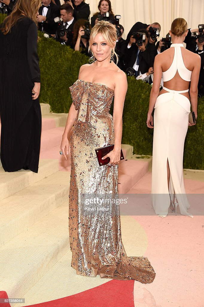 Sienna Miller attends 'Manus x Machina: Fashion In An Age Of Technology' Costume Institute Gala at Metropolitan Museum of Art on May 2, 2016 in New York City.