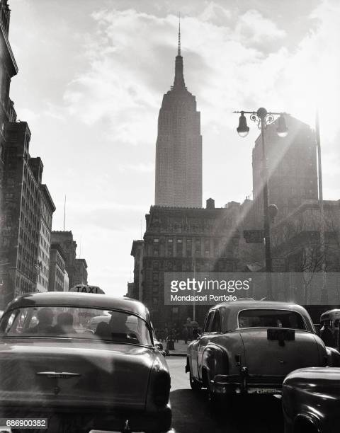 Sight of New York This picture is taken from the monography 'Mario De Biasi Il mio sogno Š qui' curated by Enrica Vigan• published in 2016 by...