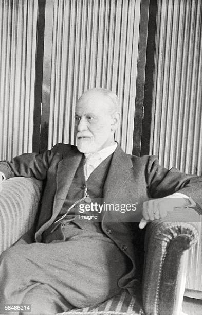Sigmund Freud Photography Around 1933 [Sigmund Freud Photographie Um 1933]