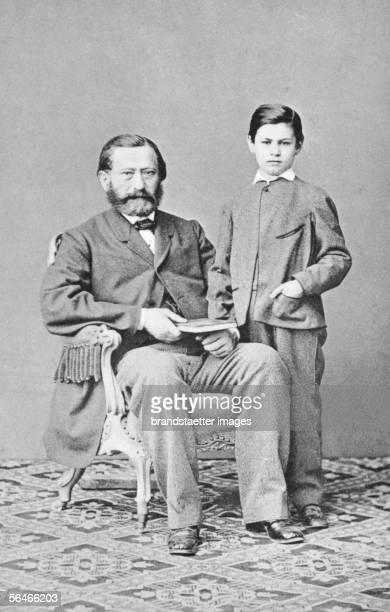 Sigmund Freud with his father Jacob Freud Photography around 1864 [Sigmund Freud mit seinem Vater Jacob Freud Photographie um 1864]