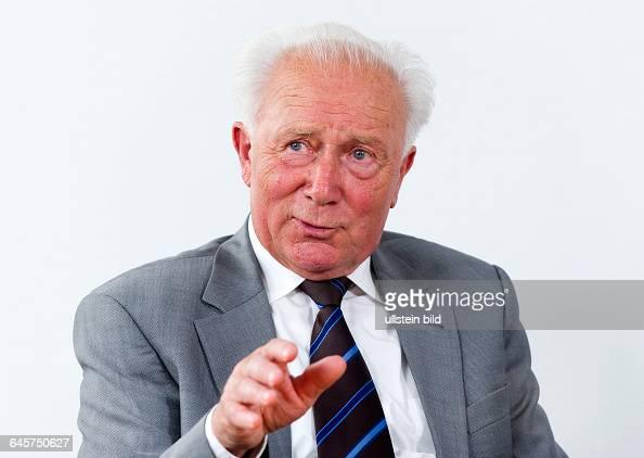 Sigmund Werner Paul Jaehn ehemaliger deutscher Kosmonaut Jagdflieger und Generalmajor der NVA der DDR aufgenommen am Freitag waehrend eines...