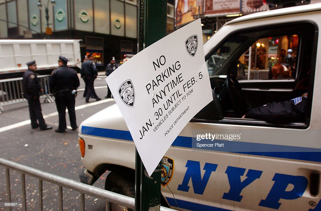 A sign alerts drivers to parking rules outside of the WaldorfAstoria hotel in Midtown Manhattan during the World Economic Forum January 30 2002 in...