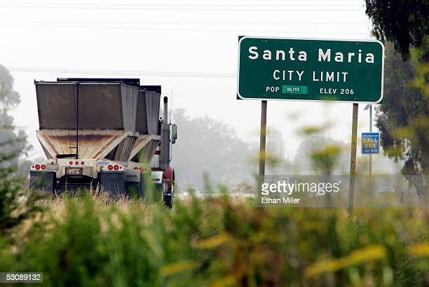 A sign along California State Highway 101 marks the southern city limit on June 11 2005 in Santa Maria California
