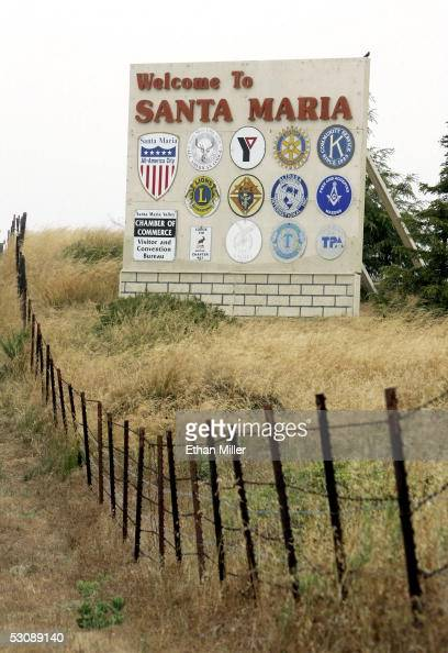 A sign along California State Highway 101 welcomes motorists on June 11 2005 in Santa Maria California
