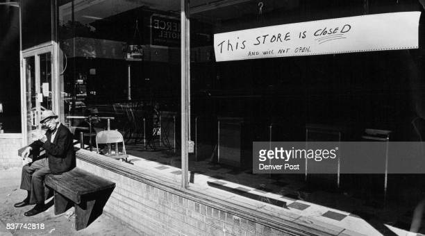 Sign Announces Closing Of The Common Market A Cooperative Grocery Store David Rosa sits on bench in front of the market 1329 California St after it...