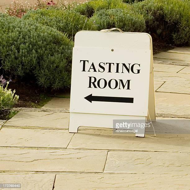 Melden Sie sich für die Weinverkostung auf dem Weingut