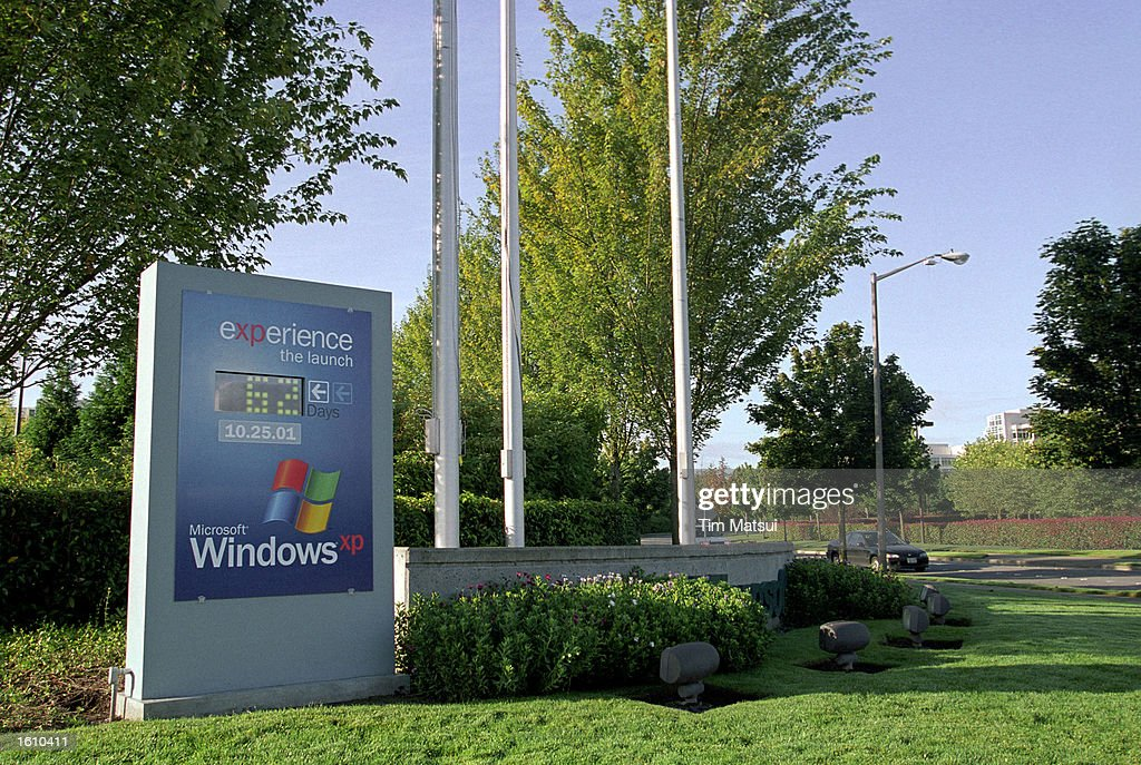 A sign counts down the days until the widespread availability of the Microsoft Windows XP operating system August 24 2001 on the Microsoft campus in...