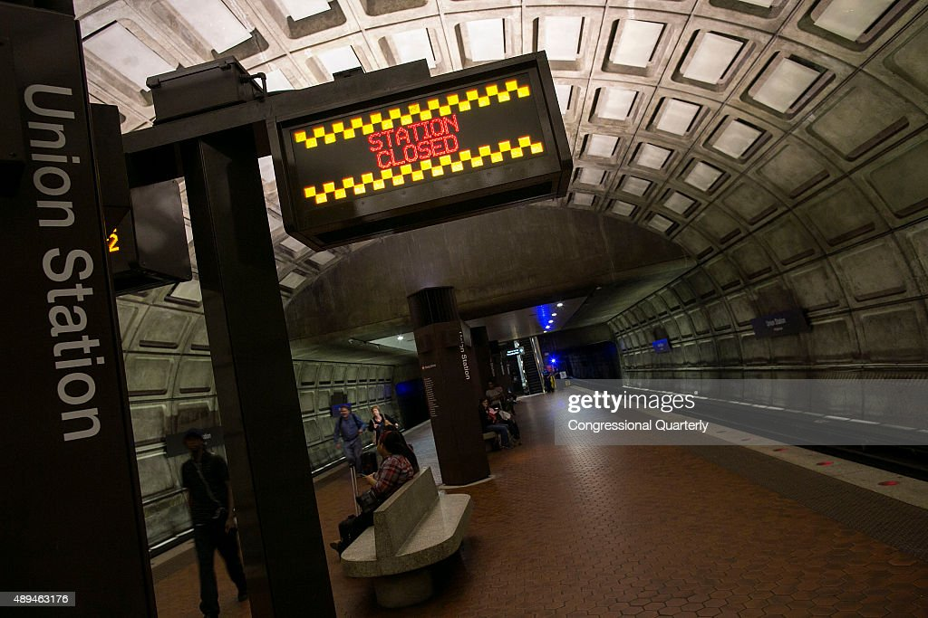A sign displays a station closure in Union Station in Washington Monday September 21 2015 As Pope Francis prepares to visit Washington later this...