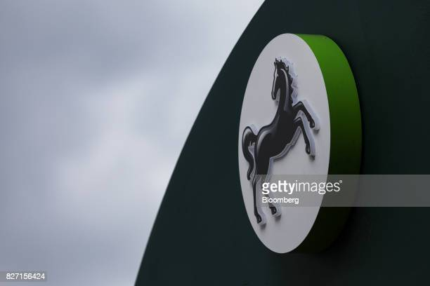 A sign hangs above a Lloyds bank branch a unit of Lloyds Banking Group Plc in London UK on Wednesday May 31 2017 Lloyds is in talks to lease a new...
