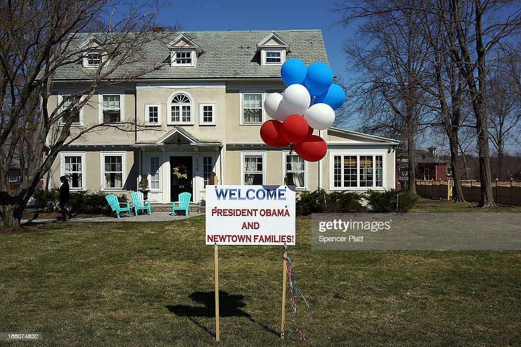 A sign in front of a home welcomes U.S. President Barack Obama to West Hartford where he is to deliver a speech on gun control at the University of Hartford on April 8, 2013 in West Hartford, Connecticut. Nearly four months since the Sandy Hook Elementary School shootings, Connecticut has passed some of the toughest gun control measures in the nation.