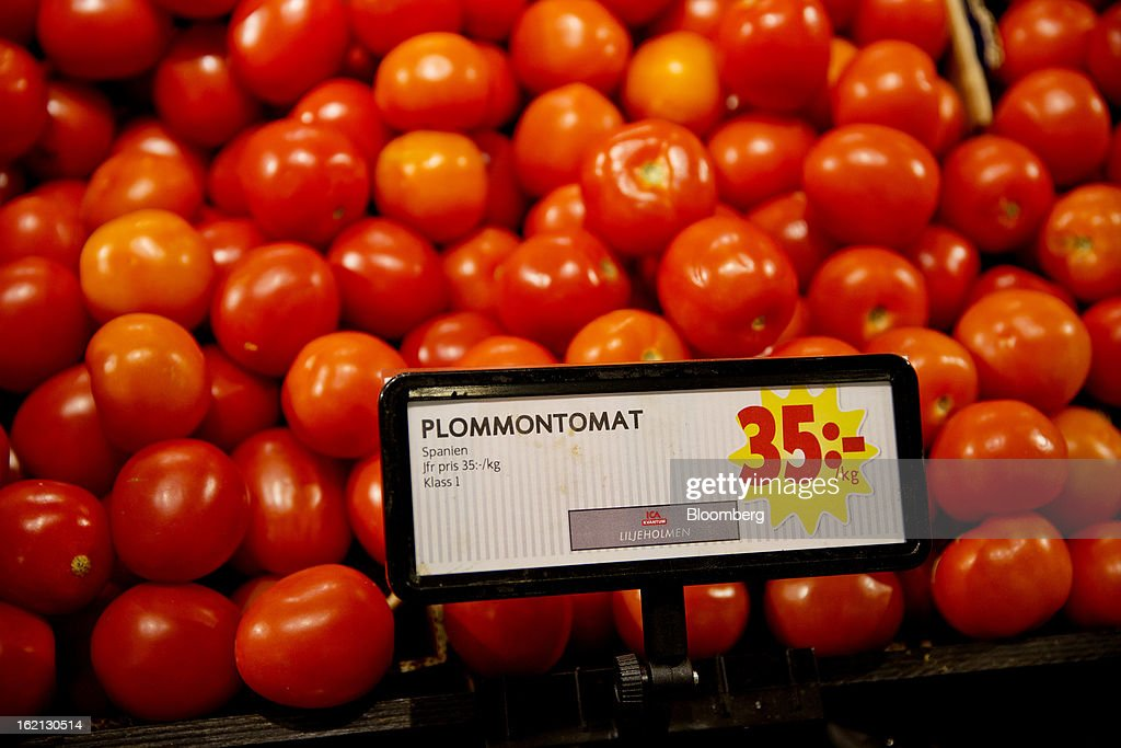 A sign indicates the kronur price per kilo of fresh tomatoes on display inside an ICA supermarket store in Stockholm, Sweden, on Tuesday, Feb. 19, 2013. Hakon Invest AB, the minority owner of Sweden's largest food retailer ICA, agreed to take full control by acquiring partner Royal Ahold NV's 60 percent stake for 20 billion kronor ($3.1 billion). Photographer: Casper Hedberg/Bloomberg via Getty Images