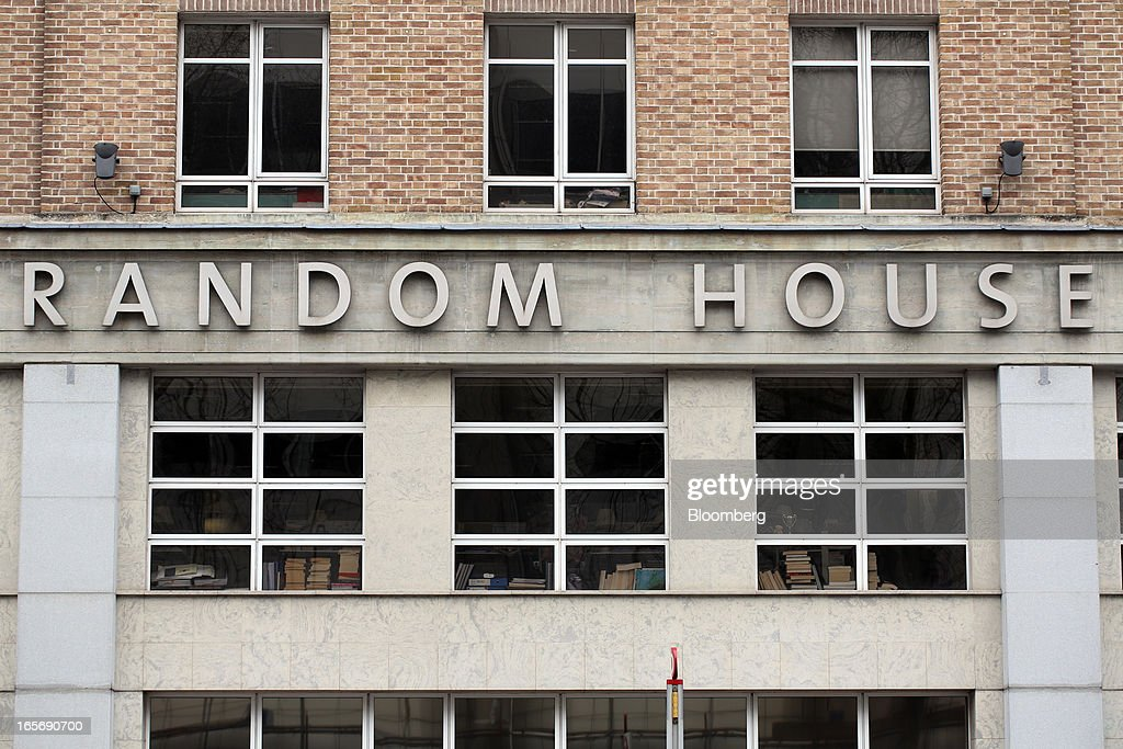 A sign is displayed on the U.K. headquarters of Random House in London, U.K., on Friday, April 5, 2013. Bertelsmann SE's Random House won European Union approval to buy Pearson Plc's Penguin unit to create the largest book publisher in the U.K. and the U.S. Photographer: Chris Ratcliffe/Bloomberg via Getty Images