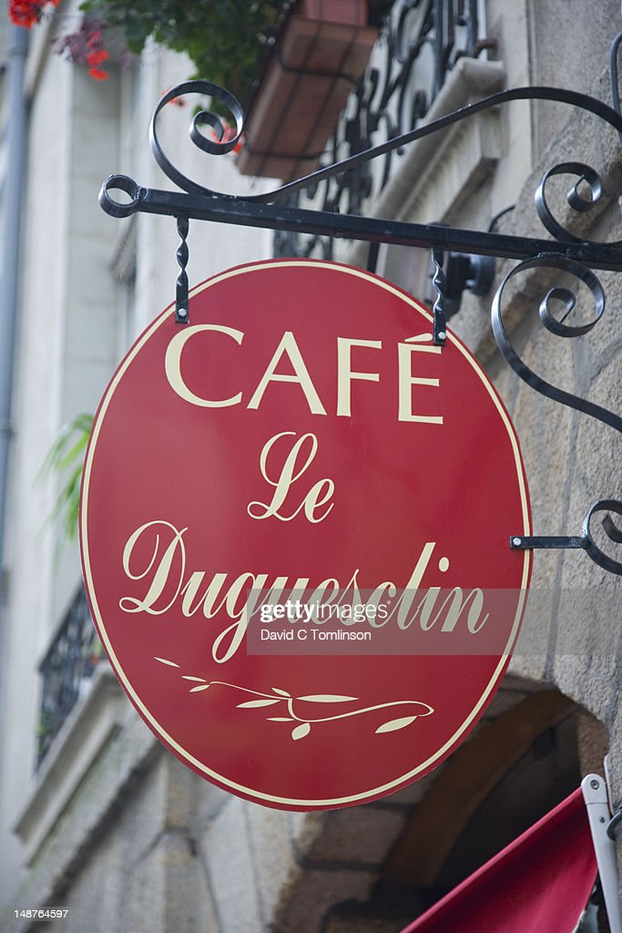 Sign outside Cafe Le Duguesclin in Rue du Guesclin.