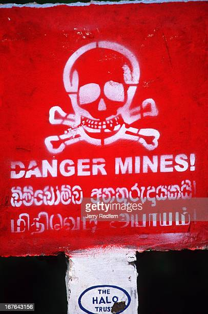 halo danger tamil writing photos et images de collection getty images