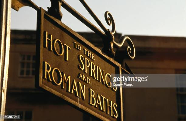 Sign pointing to Hot Springs and Roman Baths.