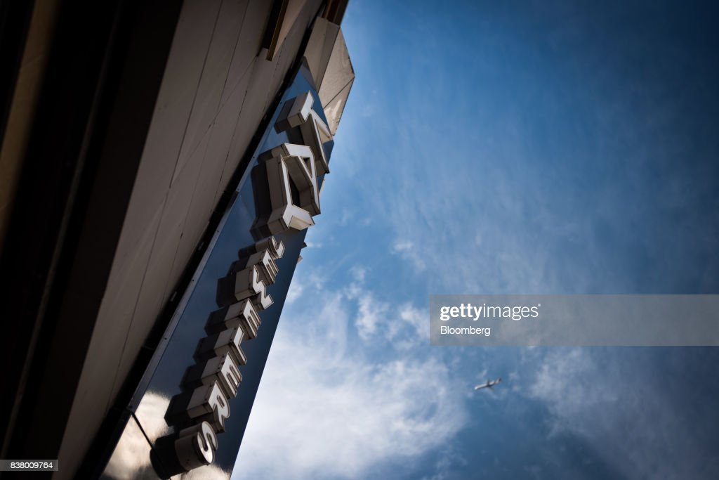 Signage for Kay Jewelers, a subsidiary of Signet Jewelers Ltd., is displayed on the exterior of a store in New York, U.S., on Wednesday, Aug. 23, 2017. Signet Jewelers Ltd. is scheduled to release earnings figures on August 24. Photographer: Mark Kauzlarich/Bloomberg via Getty Images
