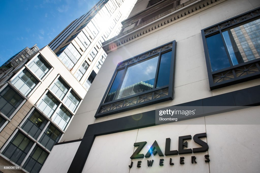 Signage for Zales Jewelers, a subsidiary of Signet Jewelers Ltd., is displayed on the exterior of a store in New York, U.S., on Wednesday, Aug. 23, 2017. Signet Jewelers Ltd. is scheduled to release earnings figures on August 24. Photographer: Mark Kauzlarich/Bloomberg via Getty Images