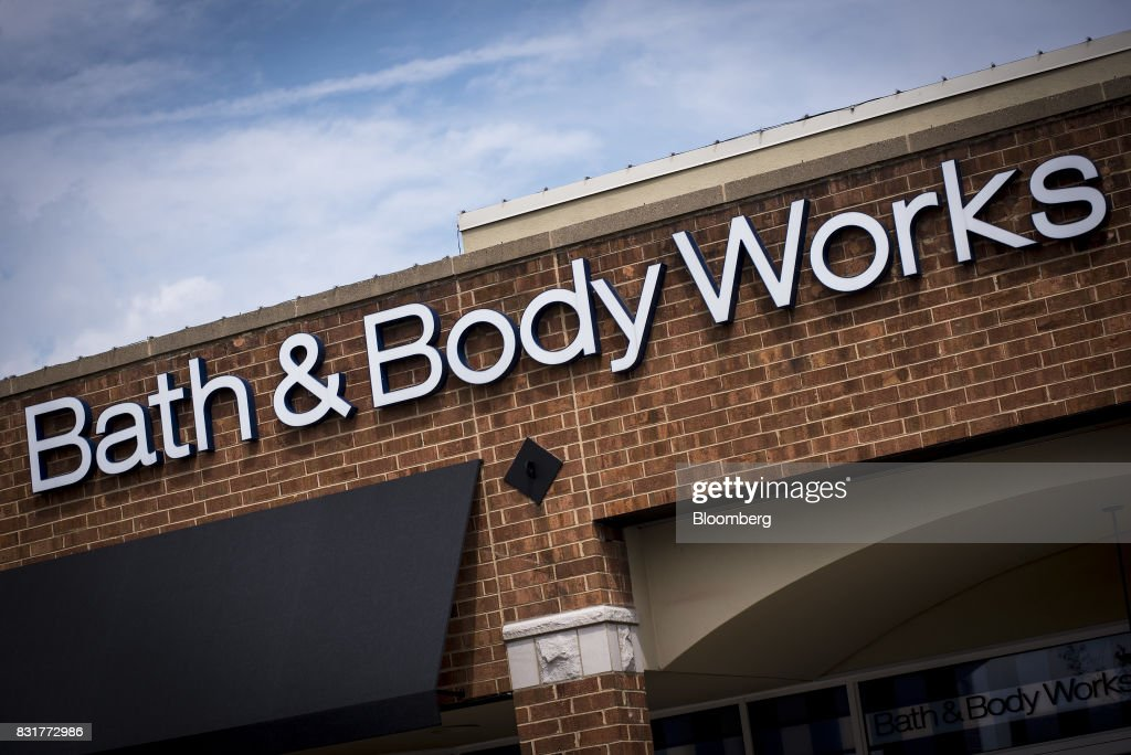 Signage is displayed on the exterior of a Bath & Body Works LLC store, a subsidiary of L Brands Inc., in Chicago, Illinois, U.S., on Monday, Aug. 14, 2017. L Brands Inc. is scheduled to release earnings figures on August 16. Photographer: Christopher Dilts/Bloomberg via Getty Images
