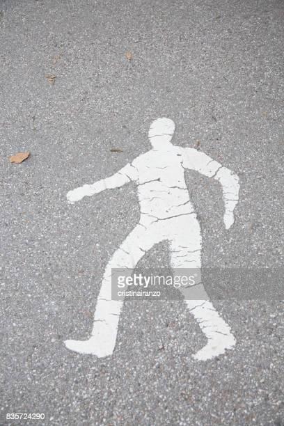 Signal on the pedestrian ground