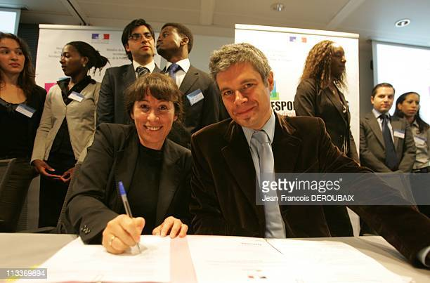 Signature Of The Commitment For The Professional Integration Of Young People From Disadvantaged Urban Areas Between Fadela Amara Laurent Wauquiez And...