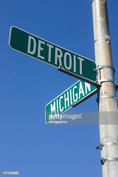 Signpost signaling Detroit and Michigan