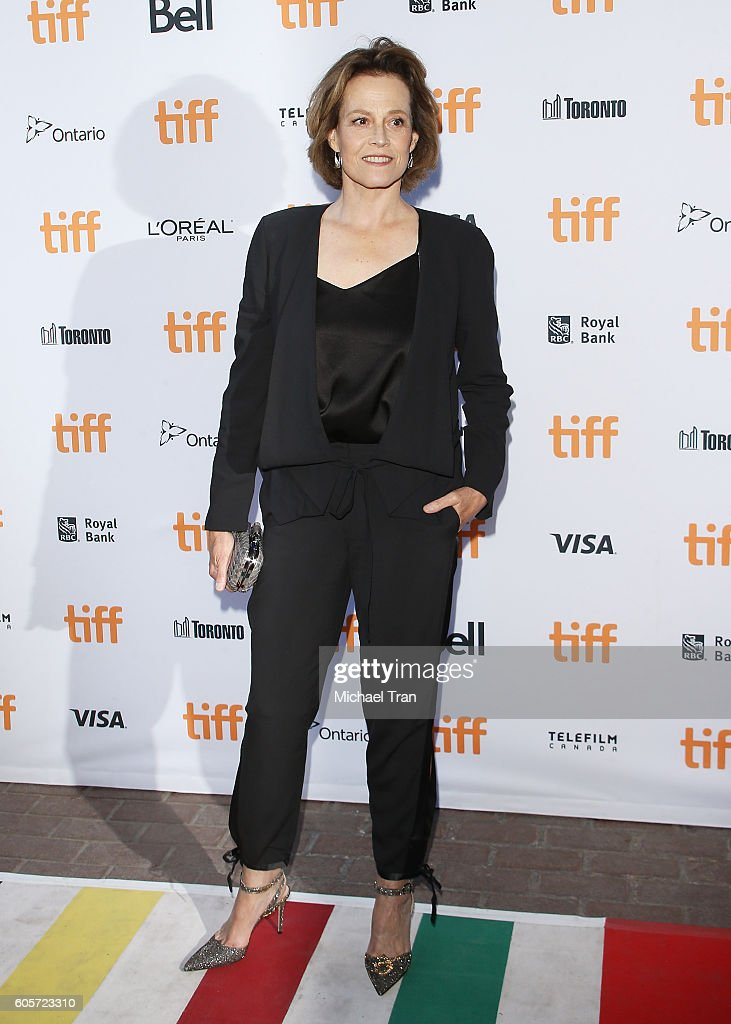 sigourney-weaver-arrives-at-the-2016-toronto-international-film-una-picture-id605723310