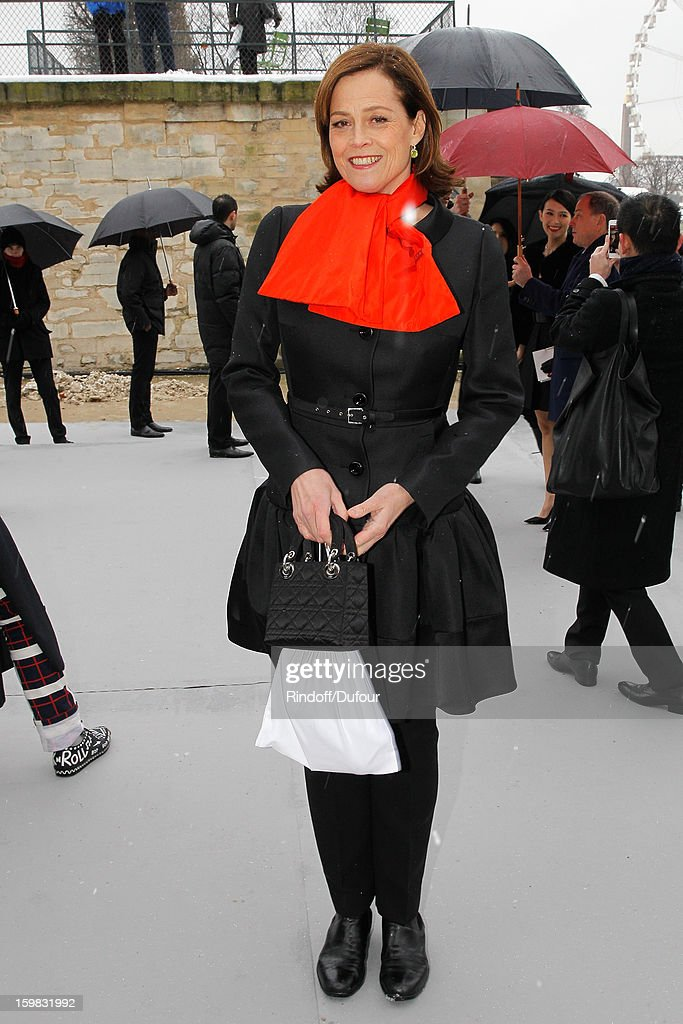 <a gi-track='captionPersonalityLinkClicked' href=/galleries/search?phrase=Sigourney+Weaver&family=editorial&specificpeople=201647 ng-click='$event.stopPropagation()'>Sigourney Weaver</a> arrives to attend the Christian Dior Spring/Summer 2013 Haute-Couture show as part of Paris Fashion Week at on January 21, 2013 in Paris, France.