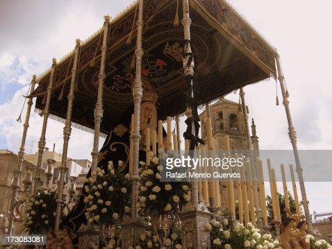 Siguiendo a Jesús/Holy Week procession