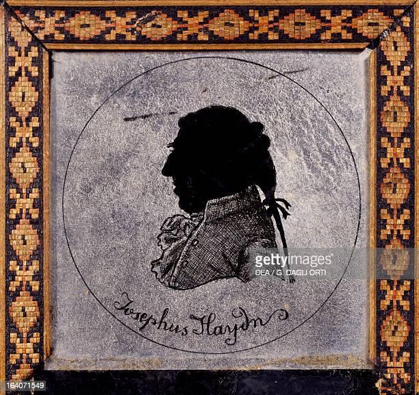 Silhouette of Franz Joseph Haydn Austrian composer MontfortL'Amaury Musée Maurice Ravel