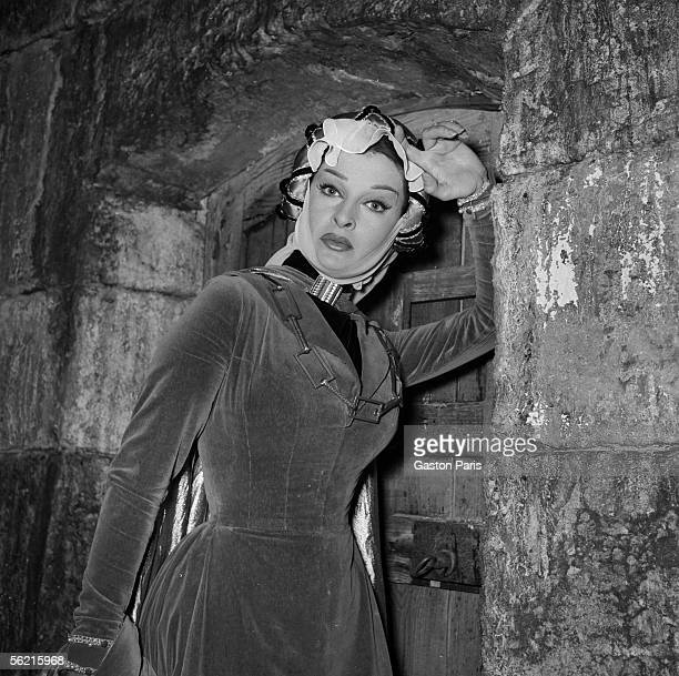 Silvana Pampanini on the shooting of the film of Abel Gance 'La Tour de Nesles' France Italy 1955