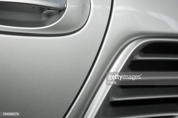 Detalhe de carro prateado