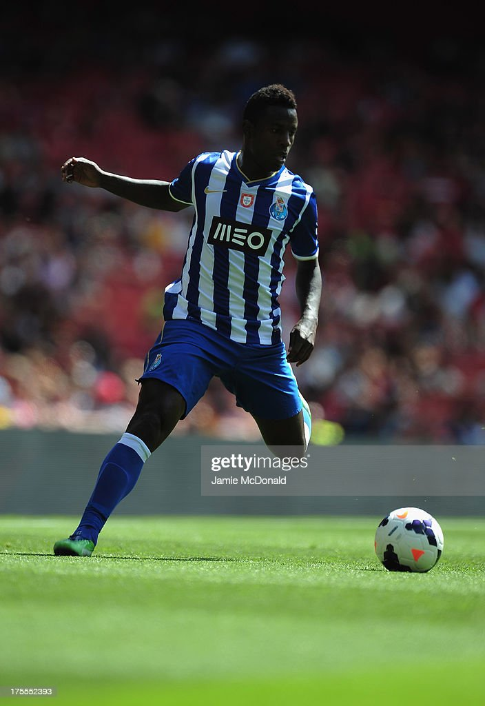 <a gi-track='captionPersonalityLinkClicked' href=/galleries/search?phrase=Silvestre+Varela&family=editorial&specificpeople=607288 ng-click='$event.stopPropagation()'>Silvestre Varela</a> of FC Porto in action during the Emirates Cup match between Napoli and FC Porto at the Emirates Stadium on August 4, 2013 in London, England.