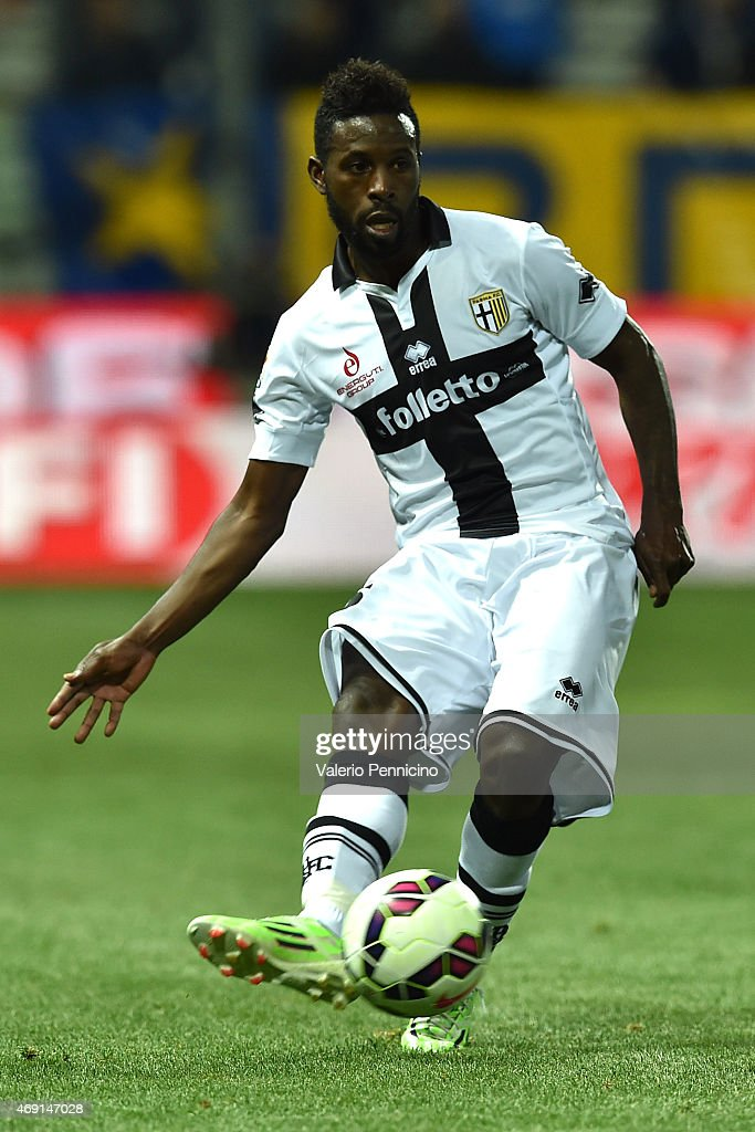 <a gi-track='captionPersonalityLinkClicked' href=/galleries/search?phrase=Silvestre+Varela&family=editorial&specificpeople=607288 ng-click='$event.stopPropagation()'>Silvestre Varela</a> of Parma FC in action during the Serie A match between Parma FC and Udinese Calcio at Stadio Ennio Tardini on April 8, 2015 in Parma, Italy.