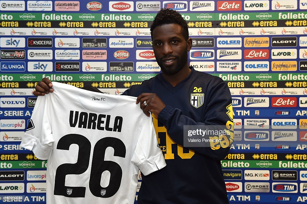 <a gi-track='captionPersonalityLinkClicked' href=/galleries/search?phrase=Silvestre+Varela&family=editorial&specificpeople=607288 ng-click='$event.stopPropagation()'>Silvestre Varela</a> of Parma FC poses with the club shirt during a press conference at the club's training ground on January 23, 2015 in Collecchio, Italy.