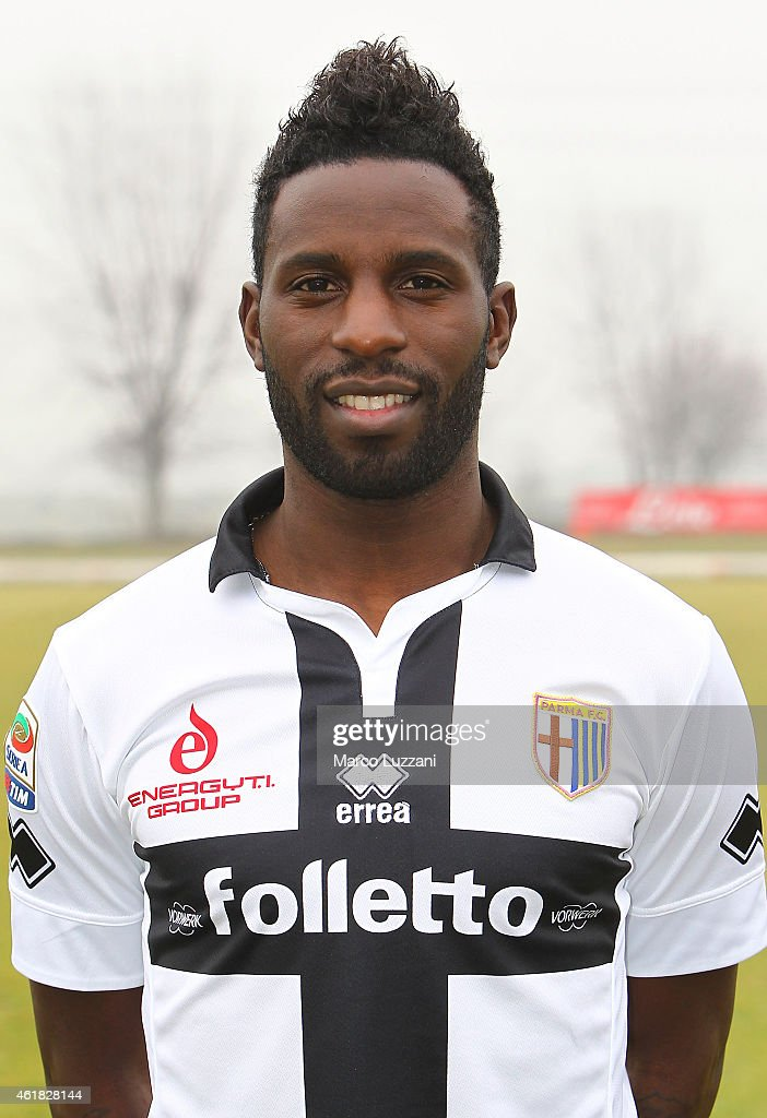<a gi-track='captionPersonalityLinkClicked' href=/galleries/search?phrase=Silvestre+Varela&family=editorial&specificpeople=607288 ng-click='$event.stopPropagation()'>Silvestre Varela</a> of Parma FC poses with the club shirt during Parma FC training session at the club's training ground on January 20, 2015 in Collecchio, Italy.