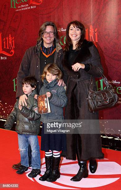 Silvia Laubenbacher Percy Hoven and their children pose for the media during the premiere of the movie 'Lilli The Witch The Dragon And The Magical...