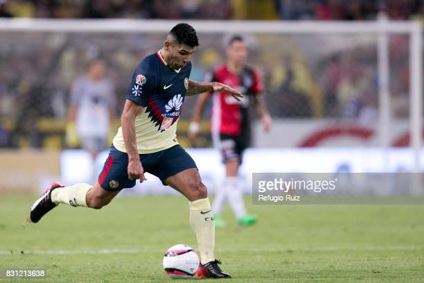 Silvio Romero of America drives the ball during the 4th round match between Atlas and America as part of the Torneo Apertura 2017 Liga MX at Jalisco...