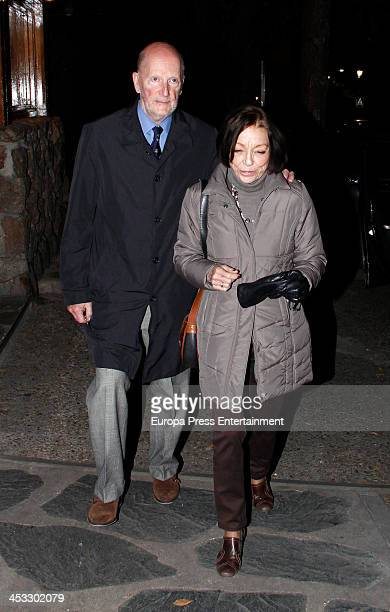 Simeon SaxeCoburgGotha and Margarita Gomez Acebo visit Prince Kardam of Bulgaria on his 51st birthday on December 2 2013 in Madrid Spain The eldest...