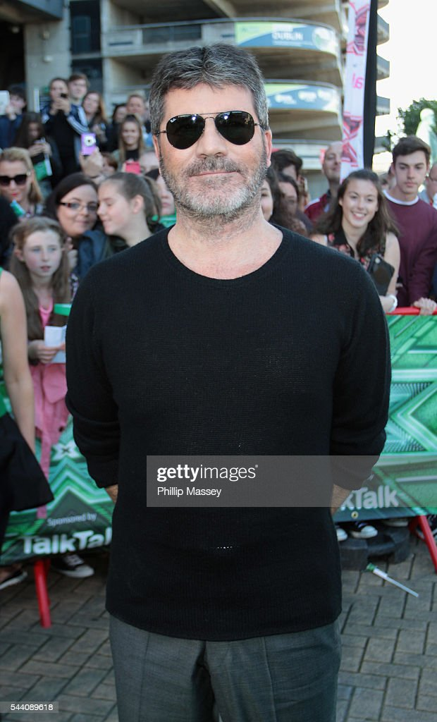 <a gi-track='captionPersonalityLinkClicked' href=/galleries/search?phrase=Simon+Cowell&family=editorial&specificpeople=203007 ng-click='$event.stopPropagation()'>Simon Cowell</a> arrives at the Dublin X Factor autions at Croke Park on July 1, 2016 in Dublin, Ireland.