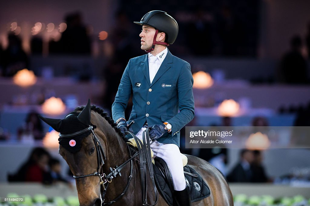 <a gi-track='captionPersonalityLinkClicked' href=/galleries/search?phrase=Simon+Delestre&family=editorial&specificpeople=2331561 ng-click='$event.stopPropagation()'>Simon Delestre</a> of France rides Stardust Quinhon during the Massimo Dutti Trophy as part of the 2016 Longines Masters of Hong Kong on February 21, 2016 in Hong Kong, Hong Kong.