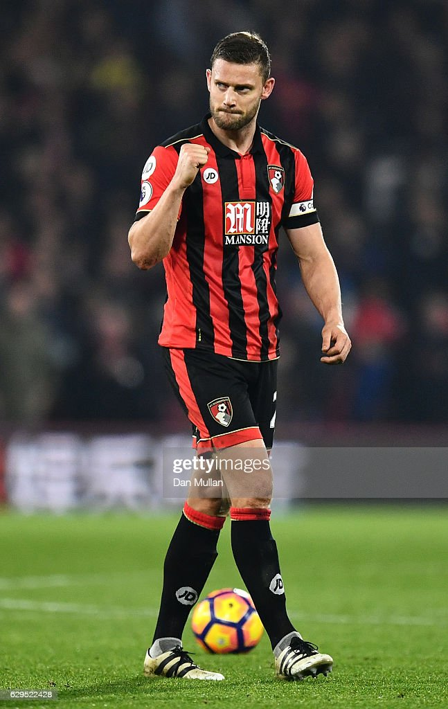 Simon Francis of AFC Bournemouth applauds the fans following his teams 1-0 victory during the Premier League match between AFC Bournemouth and Leicester City at the Vitality Stadium on December 13, 2016 in Bournemouth, England.