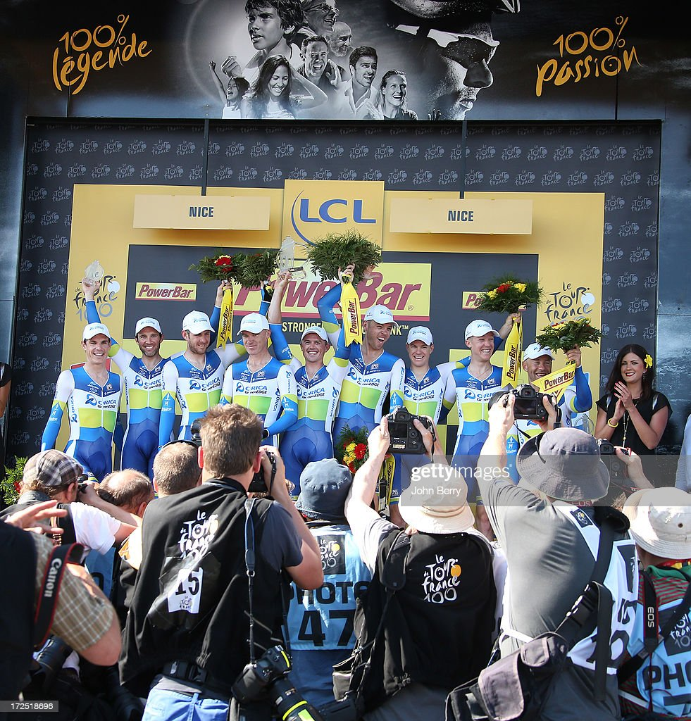 <a gi-track='captionPersonalityLinkClicked' href=/galleries/search?phrase=Simon+Gerrans&family=editorial&specificpeople=750380 ng-click='$event.stopPropagation()'>Simon Gerrans</a> of Australia and Team Orica-GreenEdge takes the yellow jersey after winning with his teammates Stage Four of the Tour de France 2013 - the 100th Tour de France -, a 25km team time trial around Nice on July 2, 2013 in Nice, France.