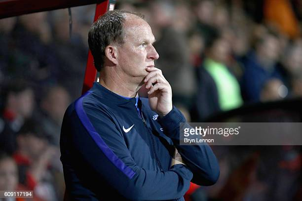 Simon Grayson Manager of Preston North End looks on during the EFL Cup Third Round match between AFC Bournemouth and Preston North End at Goldsands...