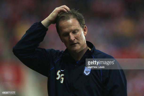 Simon Grayson manager of Preston North End looks on during the Sky Bet League One Play Off Semi Final Second Leg between at Rotherham United and...