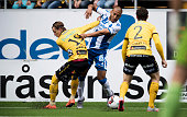 Simon Hedlund of IF Elfsborg and Haitam Aleesami of IFK Goteborg battles for the ball during the Allsvenskan match between IF Elfsborg and IFK...