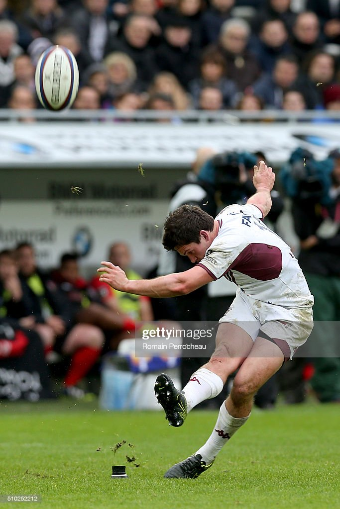 Simon Hickey of Union Bordeaux Begles takes a penalty Kick during the Top 14 rugby match between Union Bordeaux Begles and RC Toulon at Stade Matmut Atlantique on February 14, 2016 in Bordeaux, France.